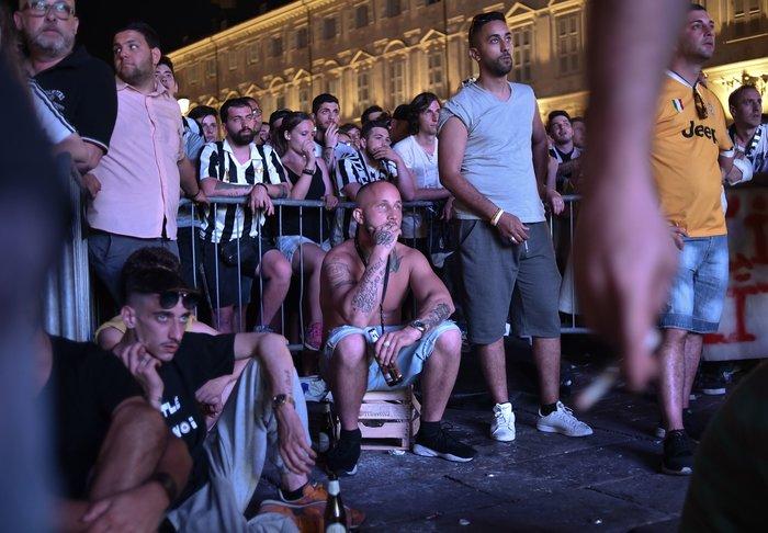 Παρ' ολίγον τραγωδία στην Ιταλία: 1.400 τραυματίες στο Τορίνο