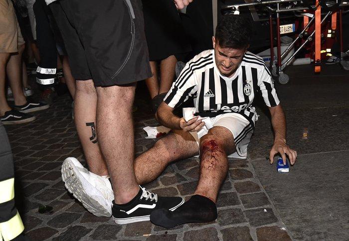 Παρ' ολίγον τραγωδία στην Ιταλία: 1.400 τραυματίες στο Τορίνο - εικόνα 7
