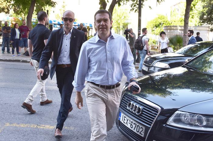 Συνεδριάζει η Πολιτική Γραμματεία ΣΥΡΙΖΑ με Τσίπρα - Τσακαλώτο