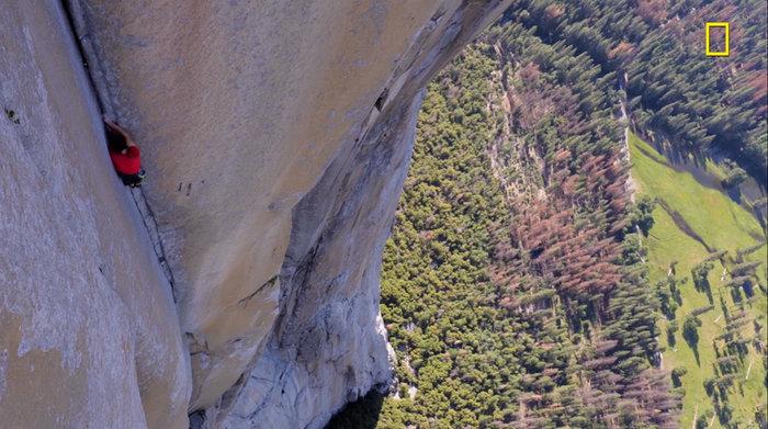 Σκαρφάλωσε σε βράχο περίπου 1000 μέτρων μόνο με...κιμωλία!