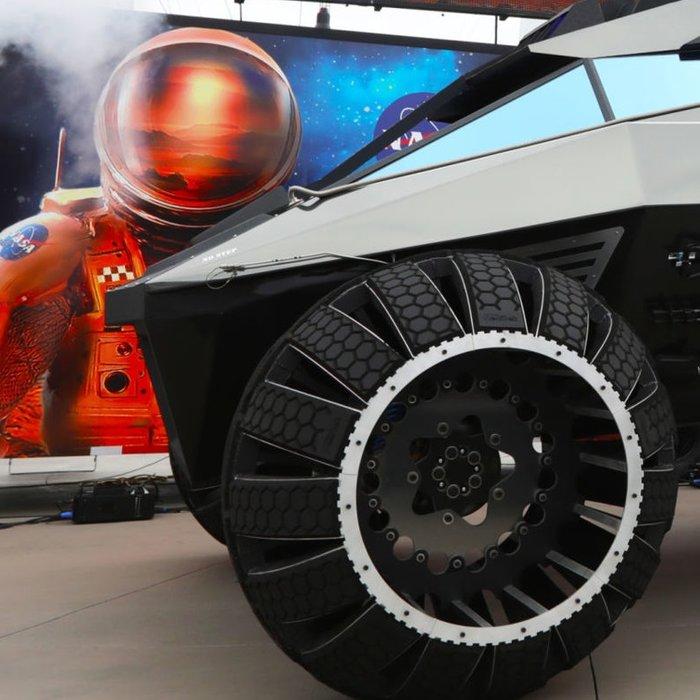 """Αυτό είναι το νέο """"Batmobile"""" της NASA που θα πάει στον Άρη"""