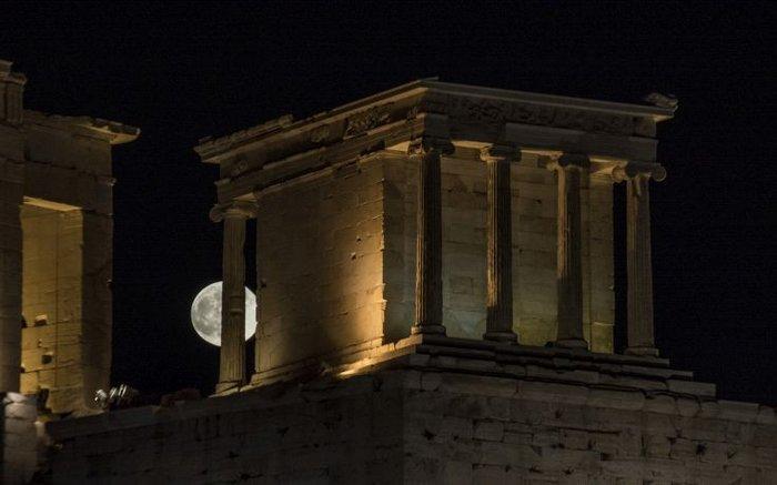 H πρώτη πανσέληνος του καλοκαιριού πάνω από την Ακρόπολη - εικόνα 6
