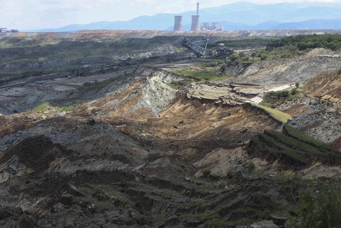 Εικόνες βιβλικής καταστροφής από την κατολίσθηση στο ορυχείο Αμυνταίου - εικόνα 2