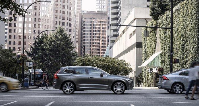 Στην Ελλάδα το νέο Volvo XC60 χωρίς κουμπιά στην καμπίνα - εικόνα 2