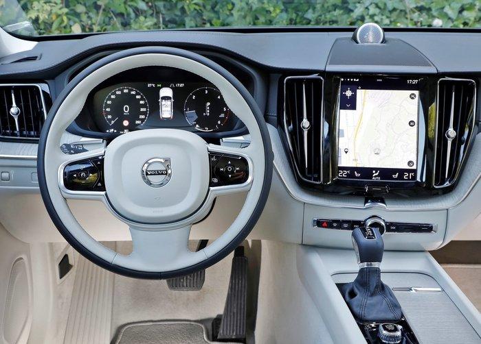 Στην Ελλάδα το νέο Volvo XC60 χωρίς κουμπιά στην καμπίνα - εικόνα 4