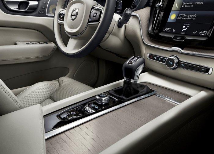 Στην Ελλάδα το νέο Volvo XC60 χωρίς κουμπιά στην καμπίνα - εικόνα 5