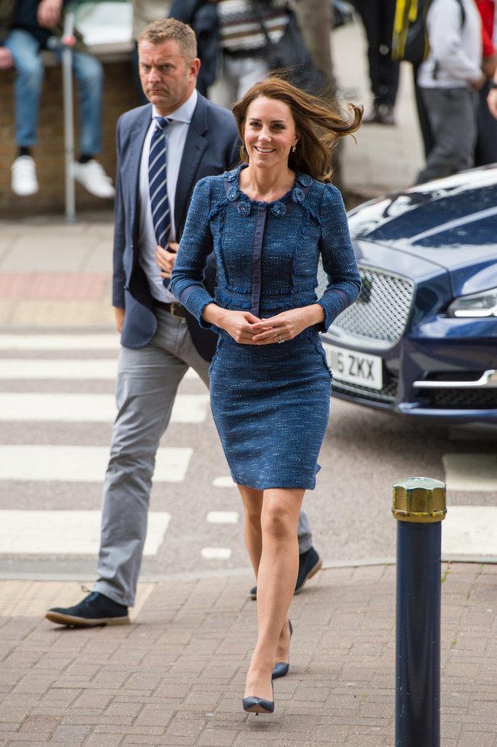 Η μίνι φούστα της Κέιτ Μίντλετον που αποκάλυψε τα καλογυμνασμένα πόδια της