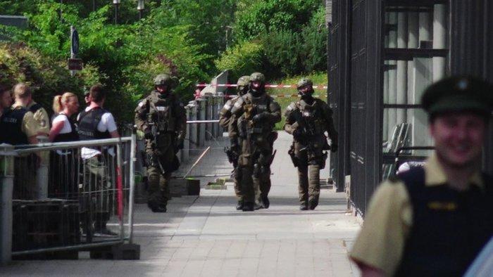 Πυροβολισμοί σε σταθμό του Μονάχου με τρεις τραυματίες, η μία σοβαρά - εικόνα 2