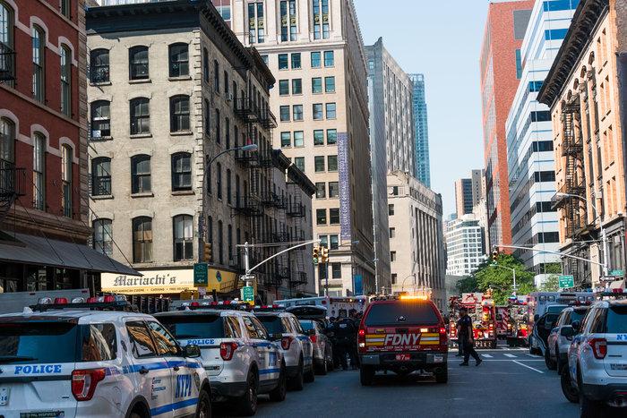 Εκρηξη στη Νέα Υόρκη: Δεκάδες τραυματίες από φωτιά σε 12 πολυκατοικίες - εικόνα 2