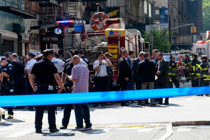 Εκρηξη στη Νέα Υόρκη: Δεκάδες τραυματίες από φωτιά σε 12 πολυκατοικίες - εικόνα 4