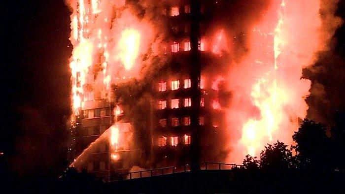 Τραγωδία στο Λονδίνο: Υπάρχουν νεκροί στον πύργο που φλέγεται - εικόνα 3