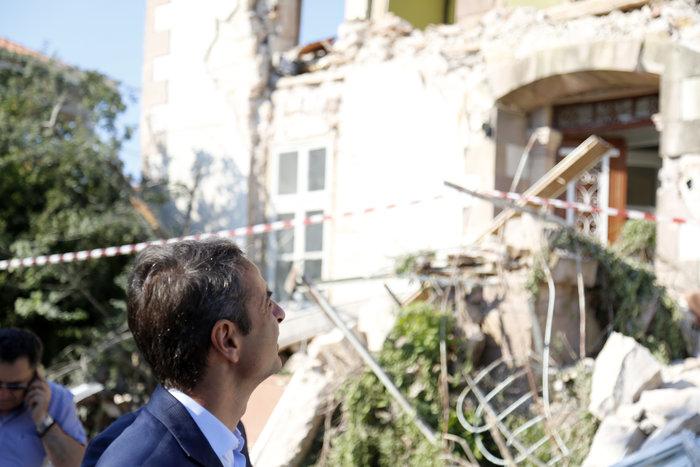 Μητσοτάκης στη Λέσβο: Να μην πληρώσουν ΕΝΦΙΑ οι σεισμόπληκτοι - εικόνα 2