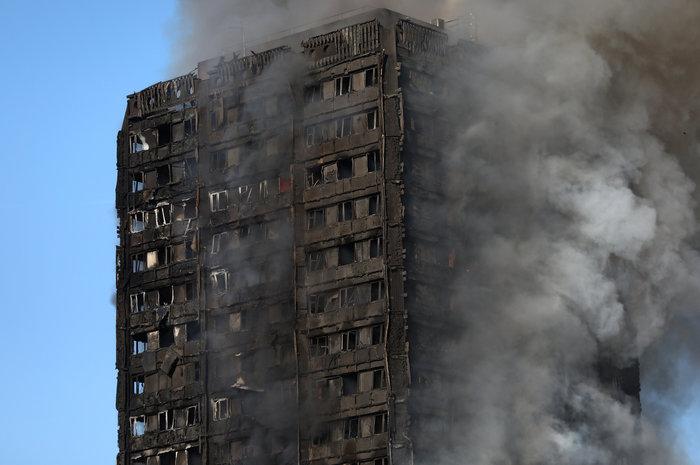 Τραγωδία στο Λονδίνο: Υπάρχουν νεκροί στον πύργο που φλέγεται - εικόνα 11