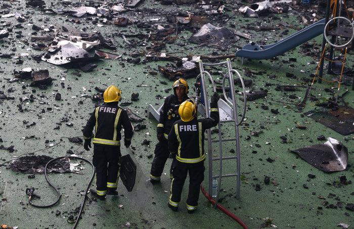 Τραγωδία στο Λονδίνο: Υπάρχουν νεκροί στον πύργο που φλέγεται - εικόνα 14
