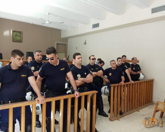 Σκηνικό έντασης ξανά στα δικαστήρια για τους πλειστηριασμούς video - εικόνα 2