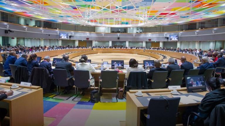 xamiles-prosdokies-prin-to-eurogroup-dosi-kai-sumpatheia