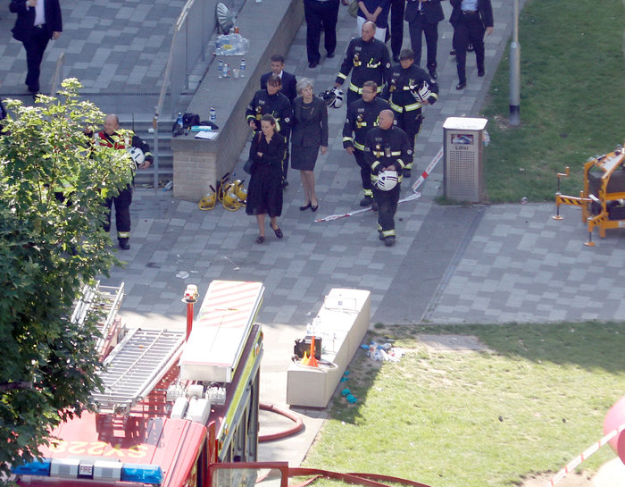H Mέι στον πύργο της τραγωδίας, δεν είδε τους κατοίκους