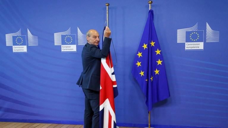 se-axartografita-nera-ksekinisan-oi-sunomilies-gia-to-brexit