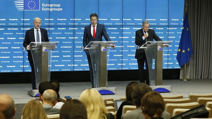 Πιερ Μοσκοβισί, Γερούν Ντάισελμπλουμ και Κλάους Ρέγκλινγκ κατά τη διάρκεια συνέντευξης Τύπου