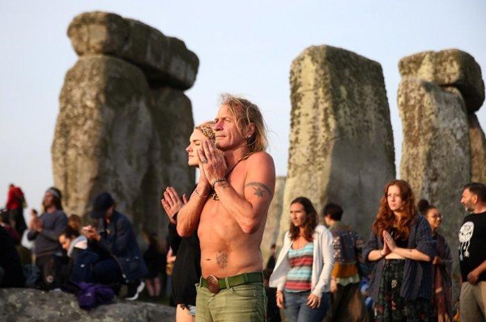 Η γιορτινή υποδοχή του θερινού ηλιοστασίου στο Stonehenge - εικόνα 5