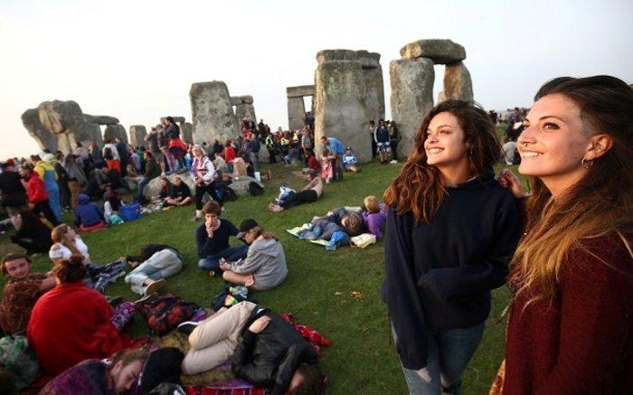 Η γιορτινή υποδοχή του θερινού ηλιοστασίου στο Stonehenge - εικόνα 6