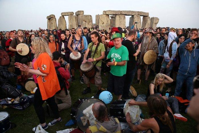 Η γιορτινή υποδοχή του θερινού ηλιοστασίου στο Stonehenge - εικόνα 7