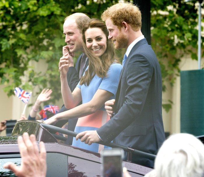 Σοκάρει ο πρίγκιπας Χάρι: Κανείς από εμάς δεν θέλει να γίνει Βασιλιάς
