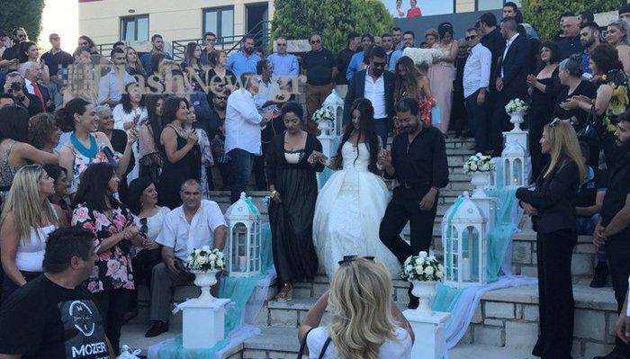 Κρητικός γάμος - βάπτιση με 13 νονούς και 13 κουμπάρους [Εικόνα - Βίντεο] - εικόνα 6
