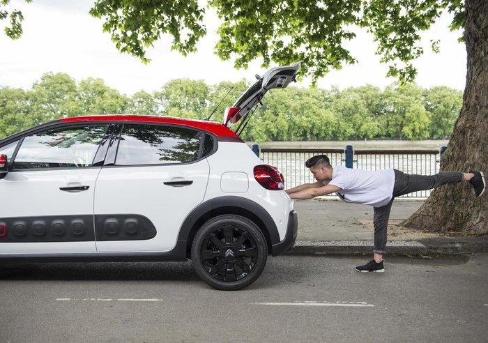 Μαζί με ποιο γαλλικό αυτοκίνητο μπορείς να κάνεις ασκήσεις Yoga; - εικόνα 2