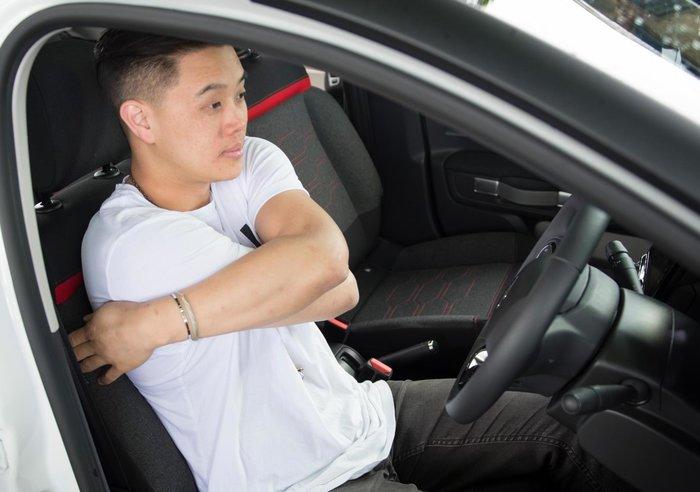 Μαζί με ποιο γαλλικό αυτοκίνητο μπορείς να κάνεις ασκήσεις Yoga; - εικόνα 3