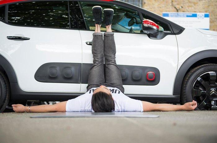 Μαζί με ποιο γαλλικό αυτοκίνητο μπορείς να κάνεις ασκήσεις Yoga; - εικόνα 6