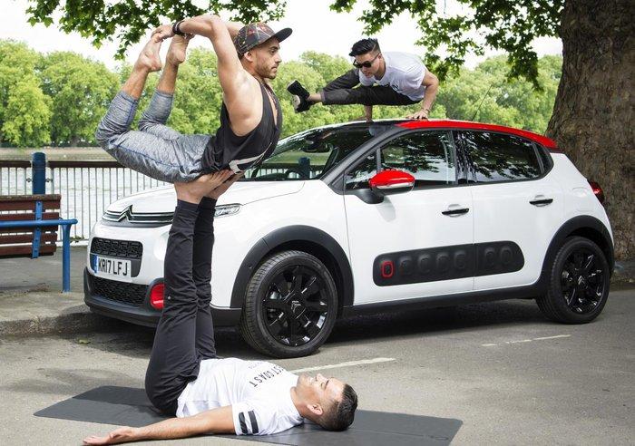 Μαζί με ποιο γαλλικό αυτοκίνητο μπορείς να κάνεις ασκήσεις Yoga; - εικόνα 9