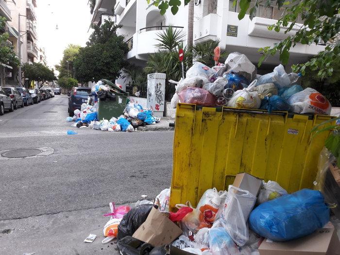 Σε κλοιό σκουπιδιών οι πόλεις - αμετακίνητοι οι εργαζόμενοι - εικόνα 4