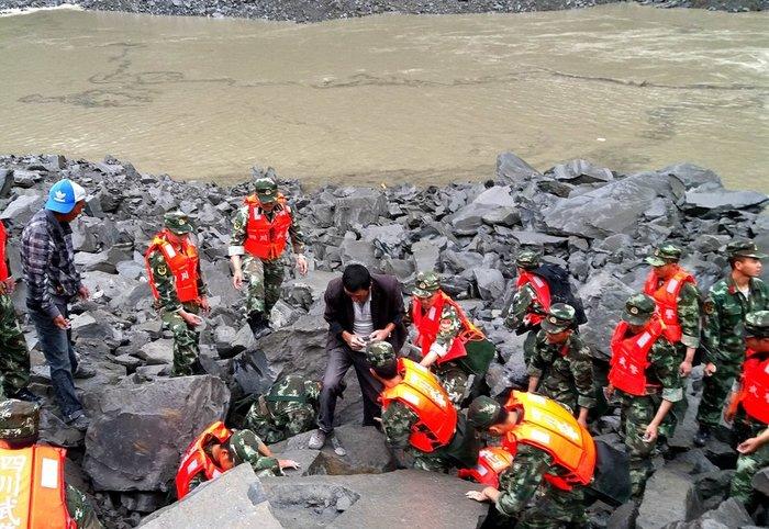 Τραγωδία στην Κίνα: 140 άνθρωποι θάφτηκαν ζωντανοί λόγω κατολίσθησης - εικόνα 2