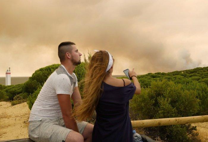 Κόλαση φωτιάς στη Ν. Ισπανία - Εγκλωβισμένοι 50.000 άνθρωποι - εικόνα 7
