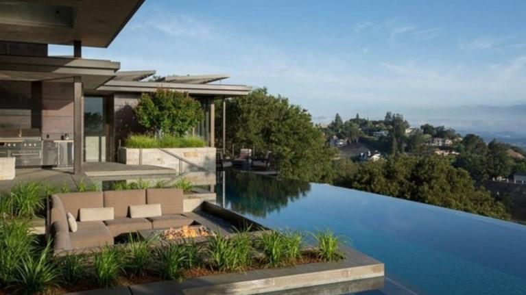 Αποτέλεσμα εικόνας για Νέα υπηρεσία για πολυτελή σπίτια σχεδιάζει η Airbnb