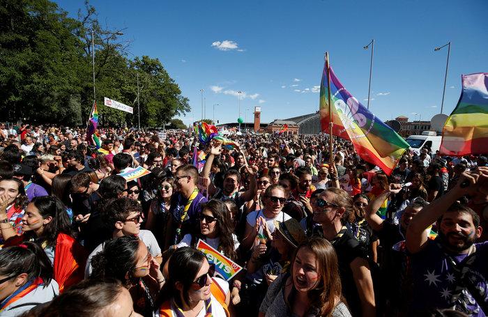 Viva la Vida: H μεγαλύτερη πορεία LGBT στην Μαδρίτη - εικόνα 5