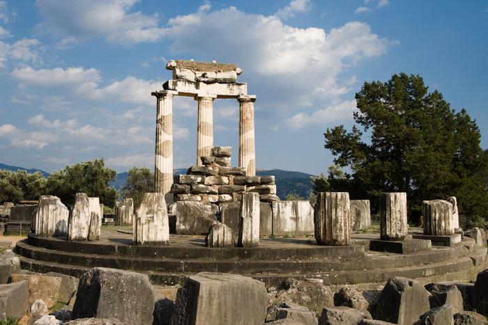 Ο ναός της Αθηνάς Προναίας (Δελφοί)