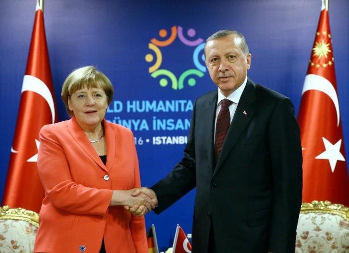 """Η Μέρκελ και το """"πολιτικό"""" τρίγωνο Τραμπ-Πούτιν-Ερντογάν - εικόνα 2"""