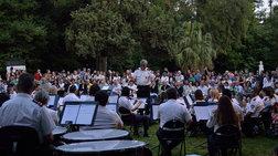 Οι κήποι και τα πάρκα της Αθήνας γίνονται σημείο συνάντησης πολιτισμού