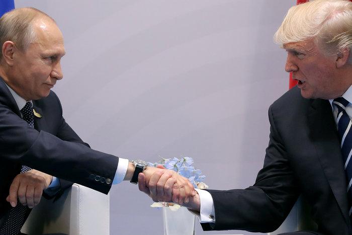 Όλο το παρασκήνιο της συνάντησης Τραμπ - Πούτιν