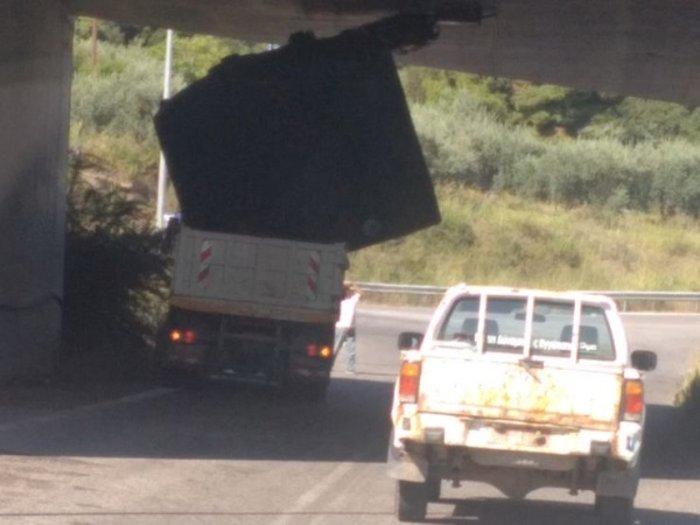 O αδιόρθωτος έλληνας οδηγός- Δείτε τις φωτογραφίες - εικόνα 2
