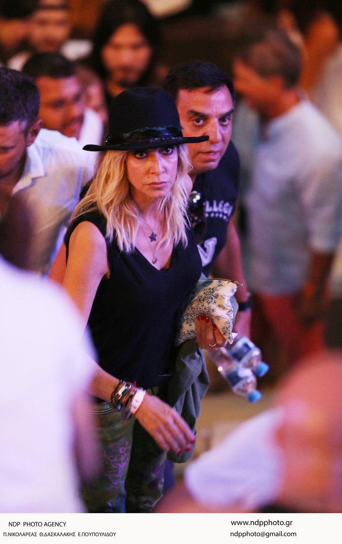 Η ροκ εμφάνιση της Αννας Βίσση στη συναυλία των Foo Fighters στο Ηρώδειο - εικόνα 2