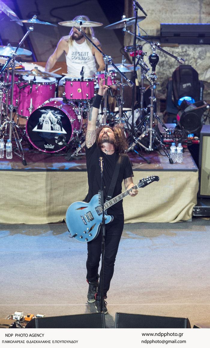 Η ροκ εμφάνιση της Αννας Βίσση στη συναυλία των Foo Fighters στο Ηρώδειο - εικόνα 5