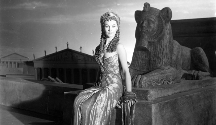 Η Βίβιαν Λι ως Κλεοπάτρα φωτογραφημένη από το Σεσίλ Μπίτον (1944)