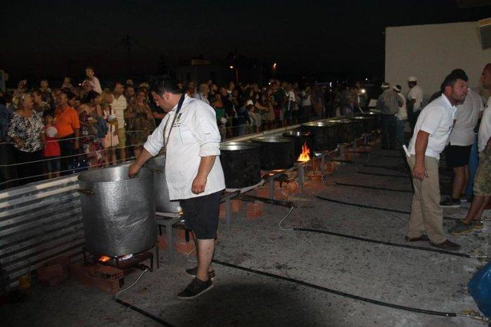Η Νάξος στο Γκίνες με 554 κιλά τηγανητές πατάτες - εικόνα 4