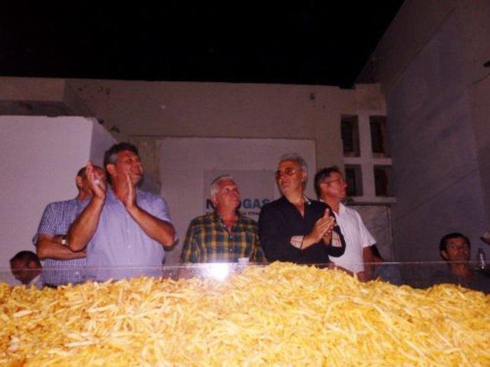 Η Νάξος στο Γκίνες με 554 κιλά τηγανητές πατάτες - εικόνα 10