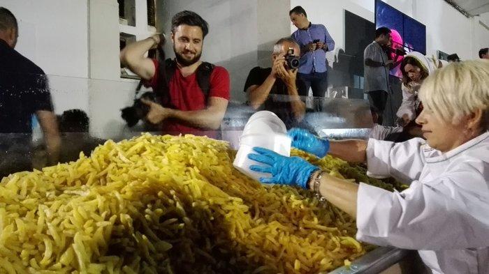 Η Νάξος στο Γκίνες με 554 κιλά τηγανητές πατάτες - εικόνα 3