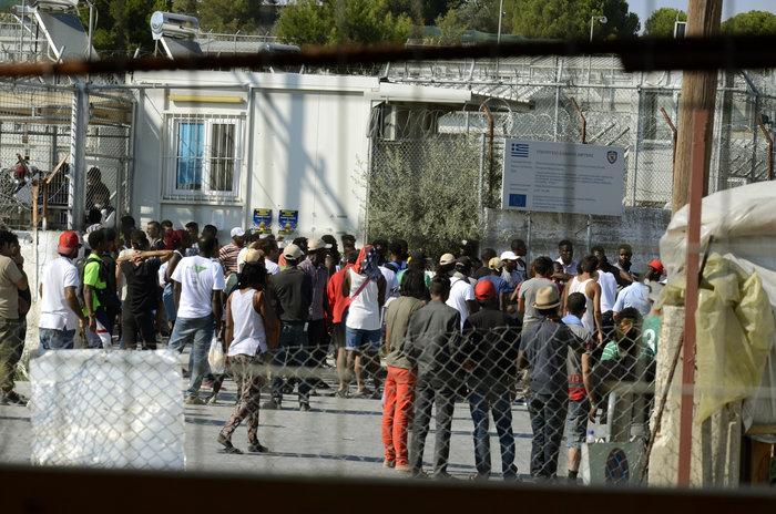 Συλλήψεις και τραυματισμοί στις συγκρούσεις στη Μόρια - εικόνα 2