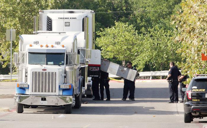 Τραγωδία στις ΗΠΑ: Οκτώ νεκροί και 28 τραυματίες σε ρυμουλκούμενο όχημα - εικόνα 2